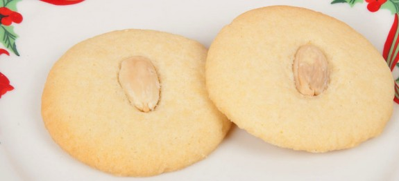 Homemade Chinese Almond Cookies
