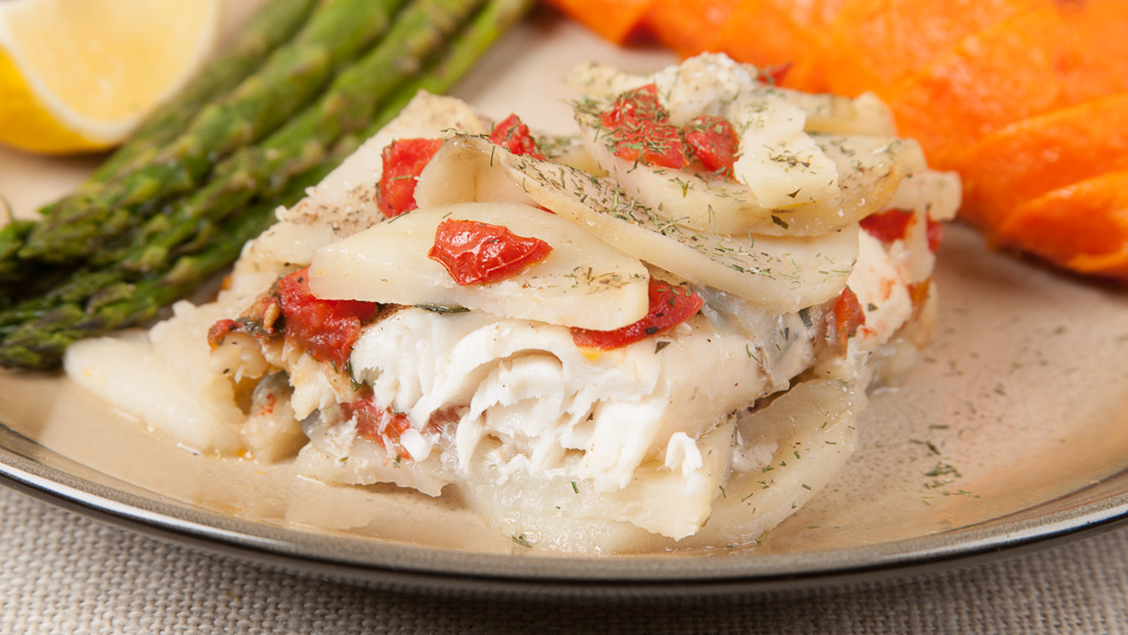 Baked white fish with potatoes 0272 italian for Baked white fish