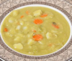 Hearty Vegetarian Split Pea Soup