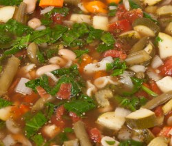 Slow Cooker Pesto Minestrone Soup